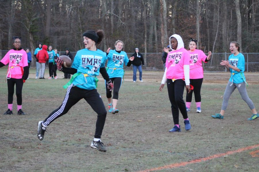 Kashly Reyes on her way to the endzone