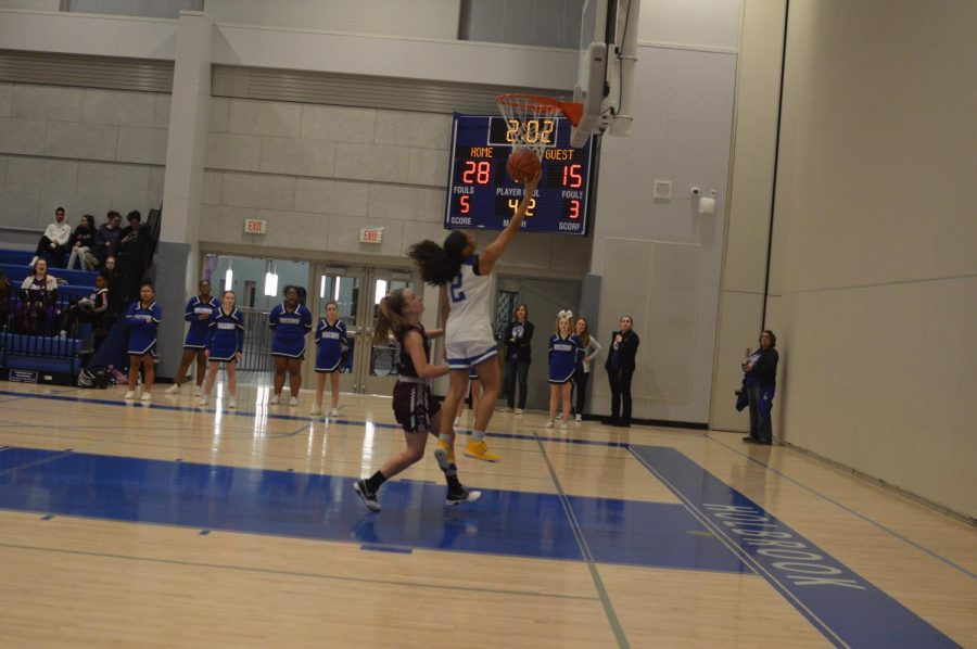 Destiny Morales-Williams goes up for a layup