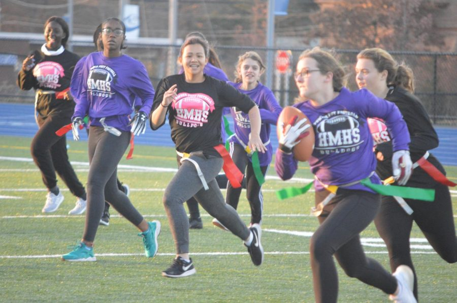 Rachel Cohan runs after Nicole Taylor.